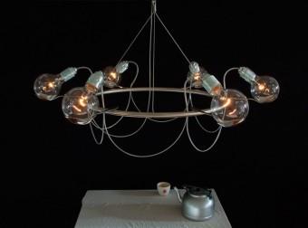 Ronde kroonluchter met aardappel lepels en zes lampen